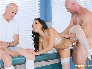 Lela star getting banged in the doctors