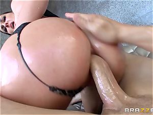 donk plumbing Brittany Shae is slapped and arse torn up