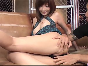 Riona Suzune fucked in the vulva and creamed well