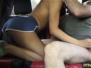 James Deen takes mummy Cherie Deville for a ride on his prick in the car