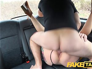 fake cab Ava Austen in super-steamy ultra-kinky taxi boink