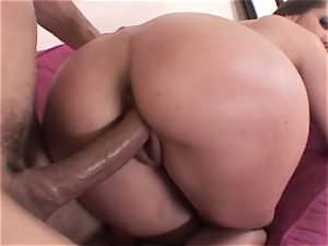 One serious internal ejaculation dribbles from Kelly Divine