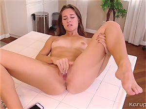 Cassidy Klein frigs and climaxes
