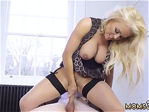Verified amateurs mommy partner duddy and heinous buttfuck Having Her Way With A new-comer