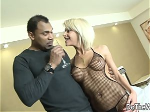 cougar wife takes ebony wood in all slots