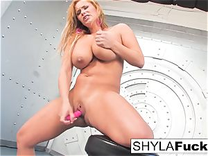 Shyla gives you a mind-blowing unclothe and solo