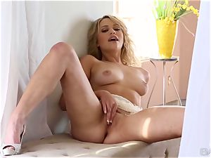 lovely towheaded Mia Malkova worships her gentle labia