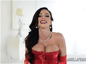 red-hot humungous hooter Ariella Ferrera Interview
