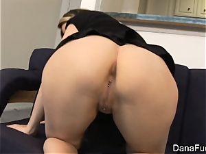 supah spectacular Dana takes a big manmeat