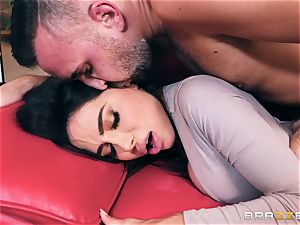 insatiable bodacious yam-sized ass mummy Lela starlet takes on Keirans schlong