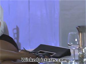molten office honey Asa Akira welcomes a new client