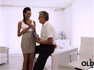 OLD4K. brilliant assistant seduces old man to get another promotion