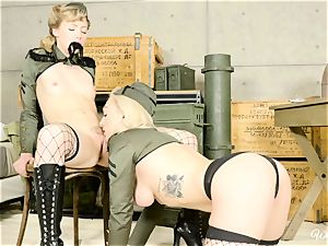 Lily Labeau and Ivy Wolfe army stunners snatch play