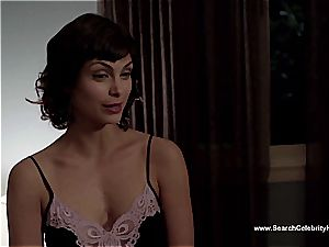 awesome Morena Baccarin looking super-sexy bare on film
