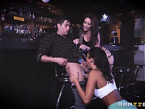 Monique Alexander and August Ames get their honeypots buried with Xanders dick