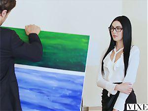 VIXEN molten youthful Curator screws Art Collector