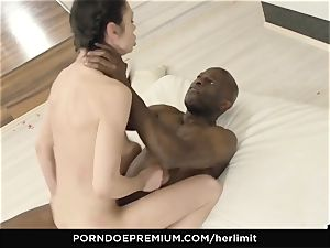 HER limit - Arwen Gold raunchy hump with ebony man
