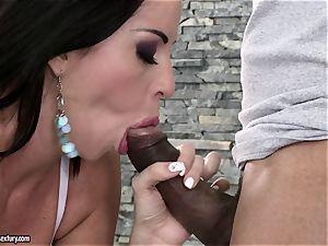 Larissa Dee deepthroats off this plumber's dark-hued lollipop