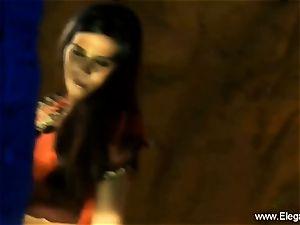 Bolly stunner Desi Indian milf
