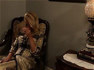 scorching escort Anikka Albrite humps her favourite naughty west customer