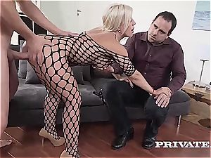 milf Nikyta luvs rock hard anal While Her spouse witnesses