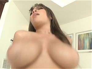 Cassidy Banks has her yam-sized breasts bounce as she ravages