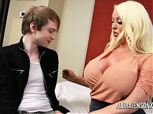 hotwife 3 way with massive orb superstar Alura Jenson