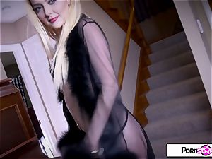 see Irirs Rose tease you and jerk only for you