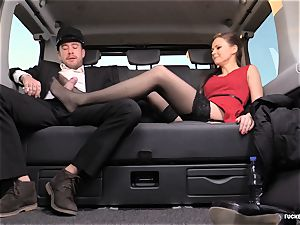 romped IN TRAFFIC - british Tina Kay penetrated in the car