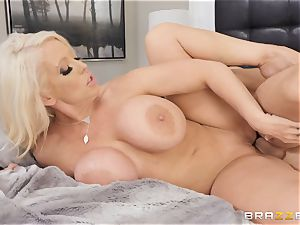 Alura Jenson nailed in her pussyhole