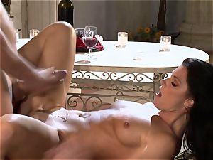 India Summers India Summers is loving the enormous dick pleasing her super-steamy puss har