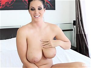 Interview with buxom sweetie Alison Tyler