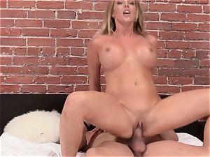 Samantha Saint penetrates her ever attempting boyfriend