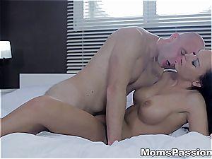 fabulous Rebeka craves penis in her expert cooch