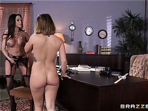 sloppy instructor Ariella Ferrera entices college girl Keisha Grey