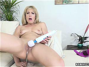 good looking blonde mummy Stevie Lix fucktoys her cunt solo