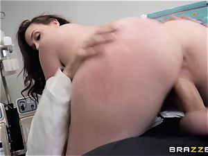 Chanel Preston takes a excursion to the doctors