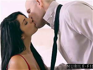 super cool Gina Valentina seduces Moms boyfriend