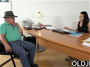 Caught grandpa Having fuck-a-thon With teen black-haired at job